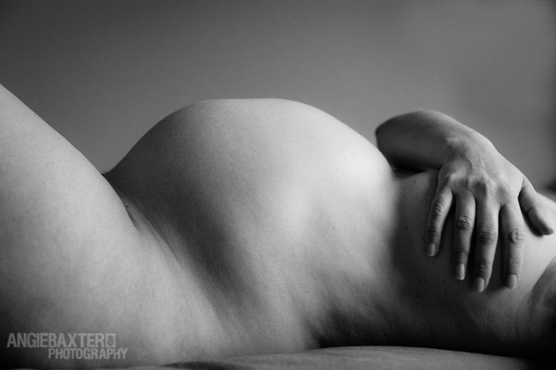 pregnancy photographer A bumpy